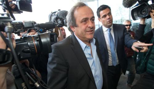 Fußball: Platini geht auf FIFA und Blatter los