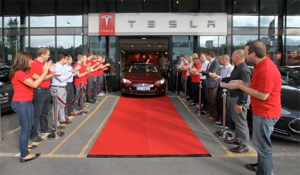 Tesla Model S deliveries begin outside of North America, starting with Norway