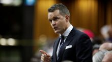 Canadian oil expansion hinges on emission cuts to draw investors: minister