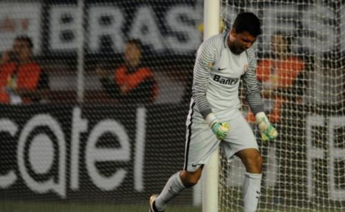 Lesão de terceiro goleiro do Inter gera preocupação para decisão