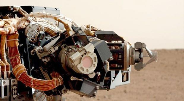 Curiosity rover leaves safe mode, remains in Martian limbo