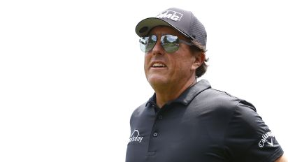 Mickelson gets exemption to play in U.S. Open