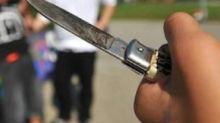 Aggressione a Nola: baby gang picchia e accoltella 14enne