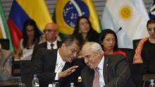"""La descalificación del partido de Correa """"preocupa"""" a 13 expresidentes americanos"""