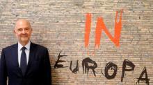 Moscovici dice que la UE no quiere una crisis con Italia mientras espera respuestas