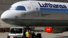 Lufthansa halts talks with union on staff cost cuts