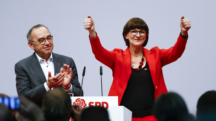Merkel government safe as SPD rules out exit