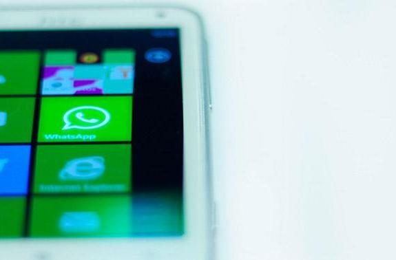 WhatsApp returns to Windows Phone with new features in tow