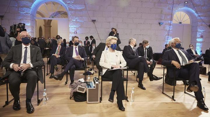 L'Europa che verrà sarà più sociale. I 27 d'accordo a Porto