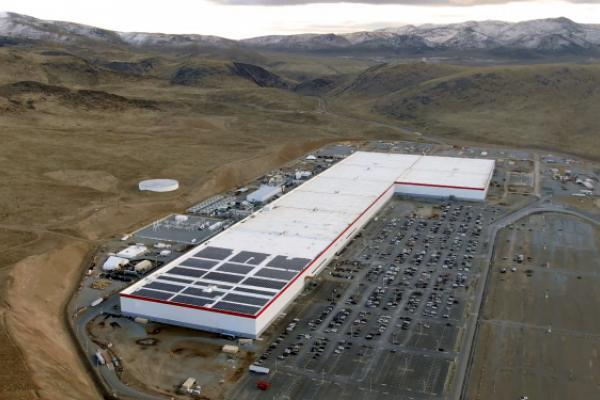 News post image: Tesla To Reduce 75% Of All On-Site Staff At Nevada Gigafactory Due To Pandemic