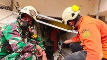 Al menos 42 muertos y 820 heridos por sismo en Indonesia