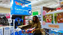 Amazon Turning Its Attention to Toys 'R' Us