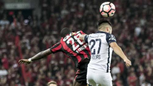 Antes forte, Atlético-PR admite preocupação com desorganização defensiva