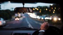Zeitumstellung: Deshalb ist Autofahren in der Nacht so gefährlich