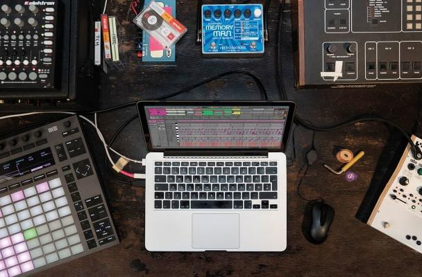 Splice members can download Ableton Live 10 Lite for free