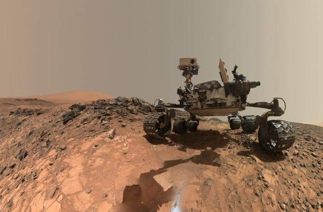 Broken wheels won't stop Curiosity from exploring Mars