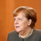 Merkel speaks to Ukraine's new president, invites him to Germany