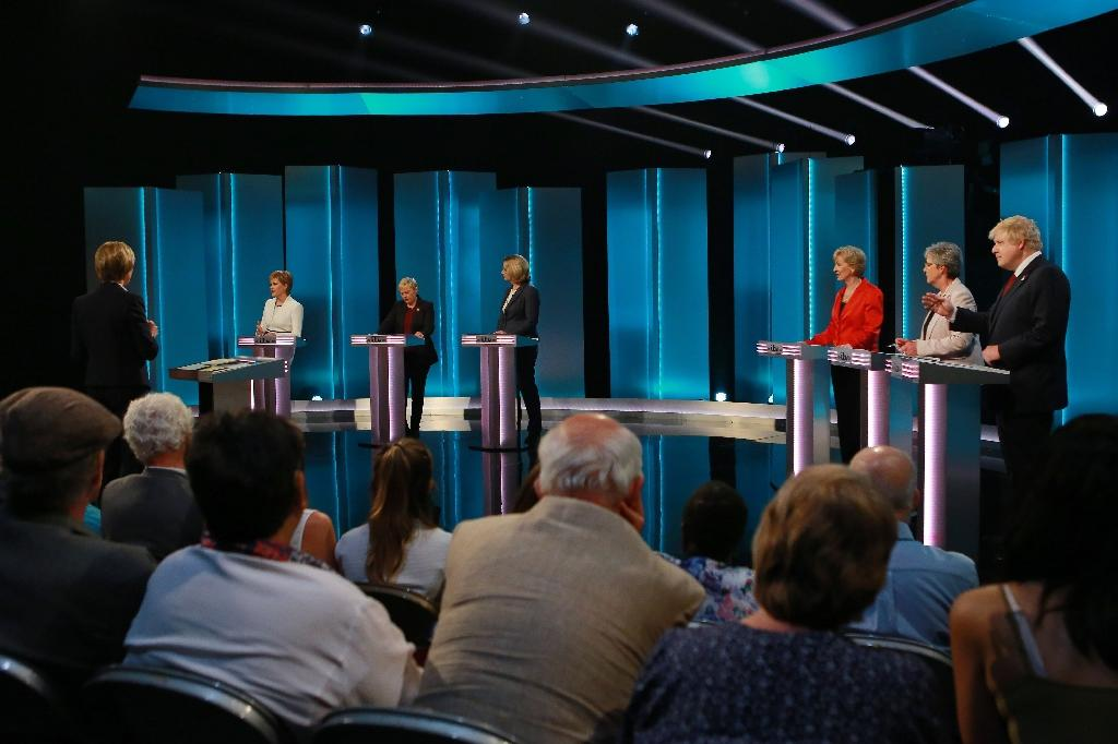 Three 'Remain' supporters (L) go head to head with three 'Leave' advocates (R) in The ITV Referendum Debate in London on June 9, 2016 (AFP Photo/Matt Frost)