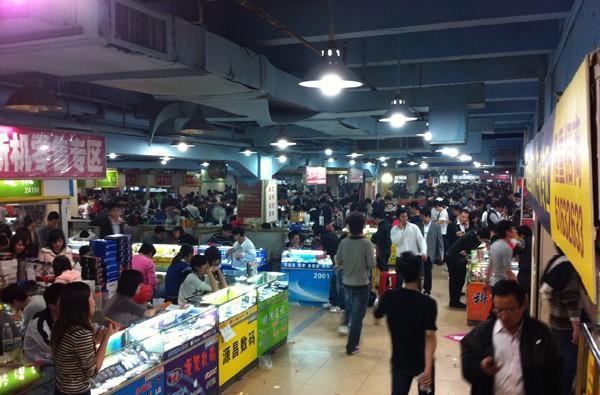 Shenzhen mobile phone market: going deeper inside Huaqiangbei