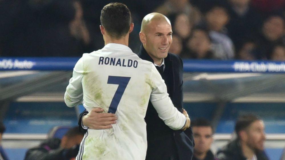 Zidane protege a Cristiano Ronaldo pensando en el derbi