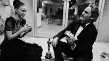 Joaquin Phoenix come hambúrguer vegano após vencer o Oscar