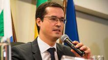 'Se cabem buscas e apreensões gerais nas favelas do Rio, cabem também nos gabinetes do Congresso', diz Deltan
