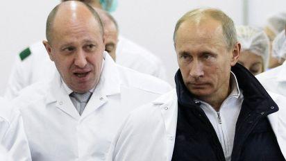 'Putin's chef' accused of organising attacks on anti-Kremlin bloggers