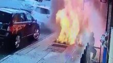 VIDÉO - Un homme survit miraculeusement à l'explosion d'une bouche d'égout