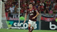 Torcedora diz que São Paulo tem estilo 'fair play de Rodrigo Caio'; Zagueiro responde e ironiza
