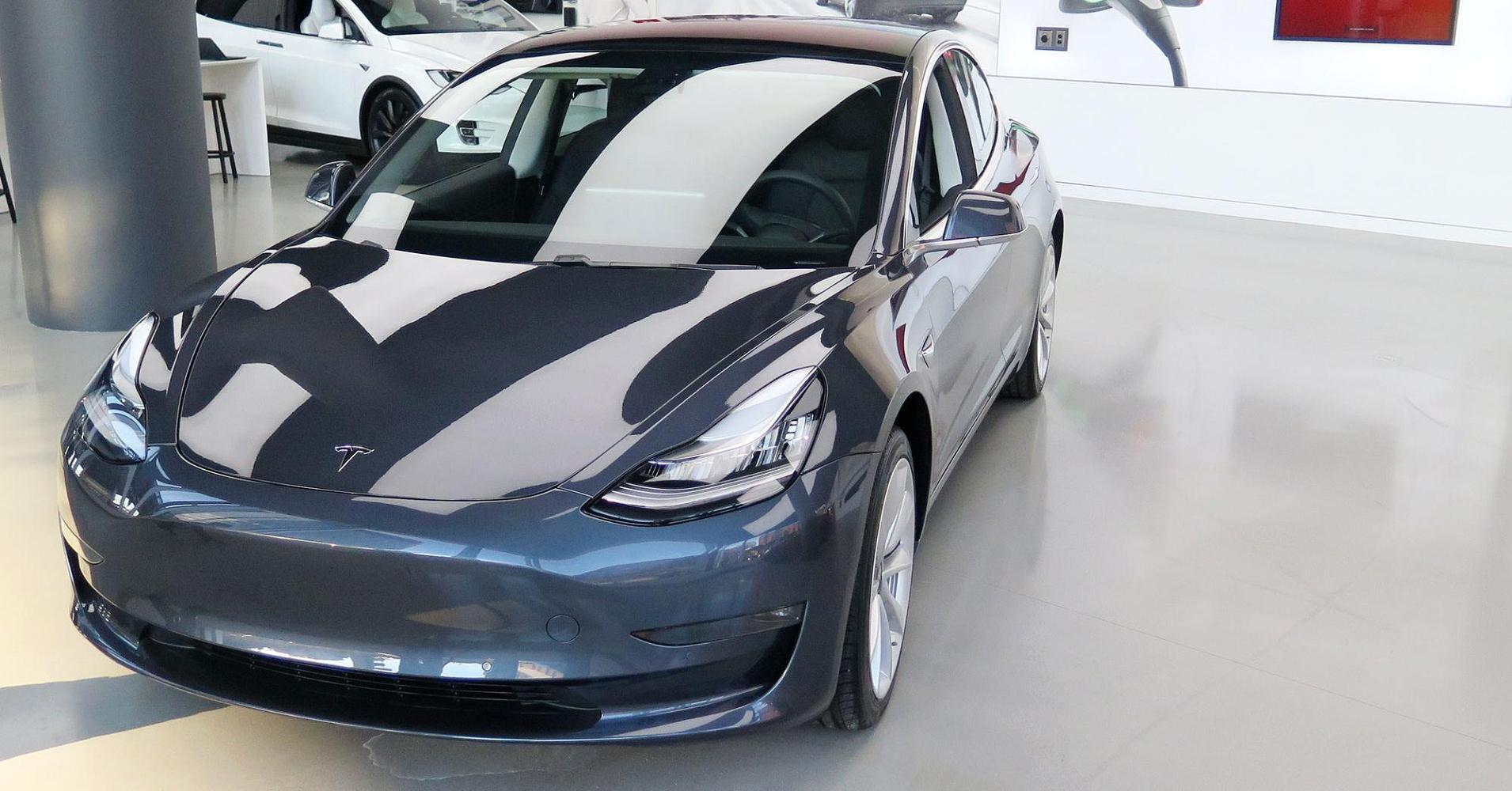 Tesla is reportedly urging workers see 'how many Model 3s ...