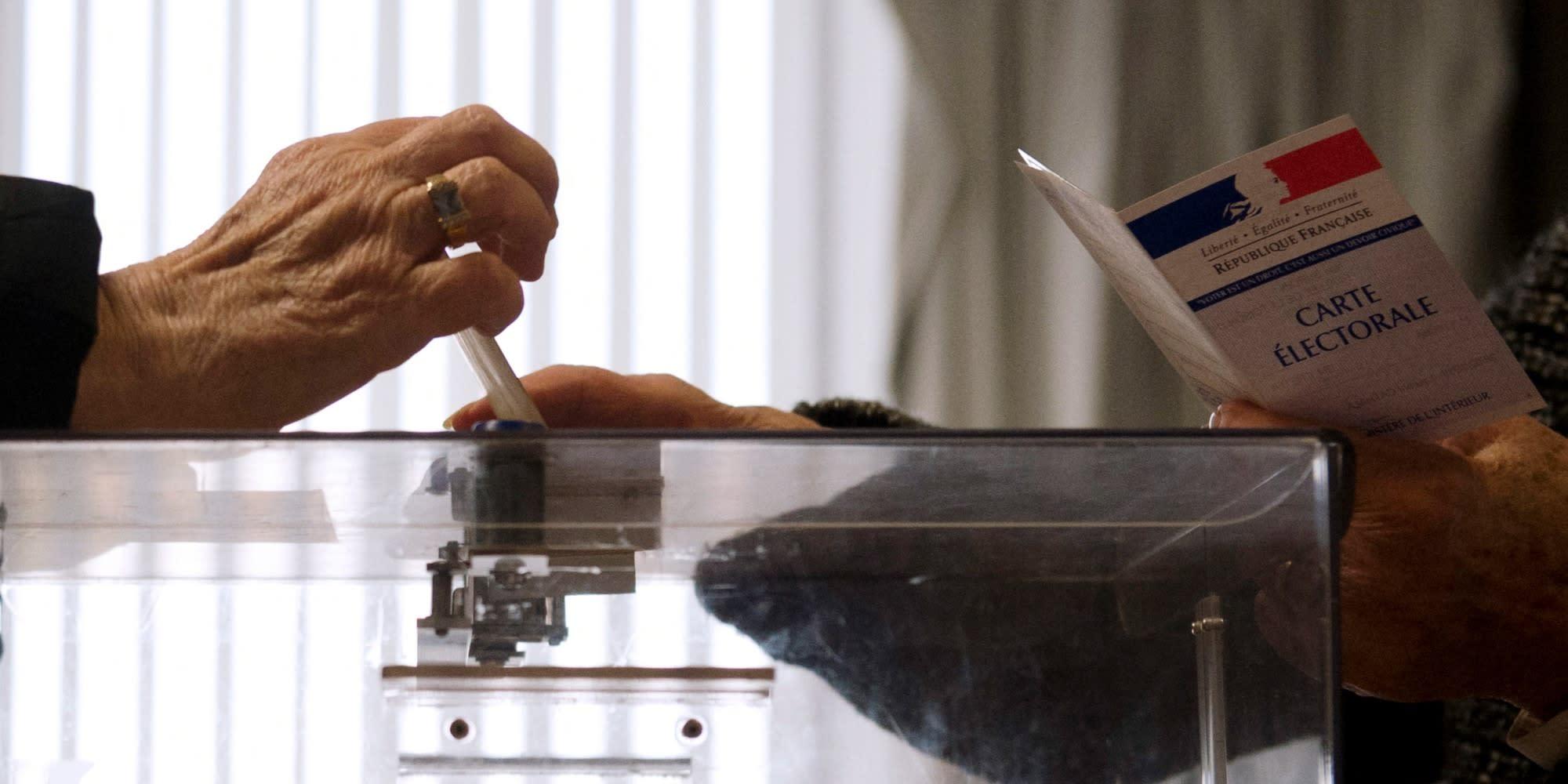 Présidentielle 2022 : les Français de plus en plus à droite, selon une enquête