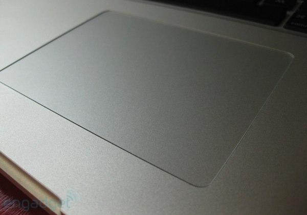 """Synaptics shows off new MacBook-style """"ClickPad"""" multitouch trackpads for netbooks"""