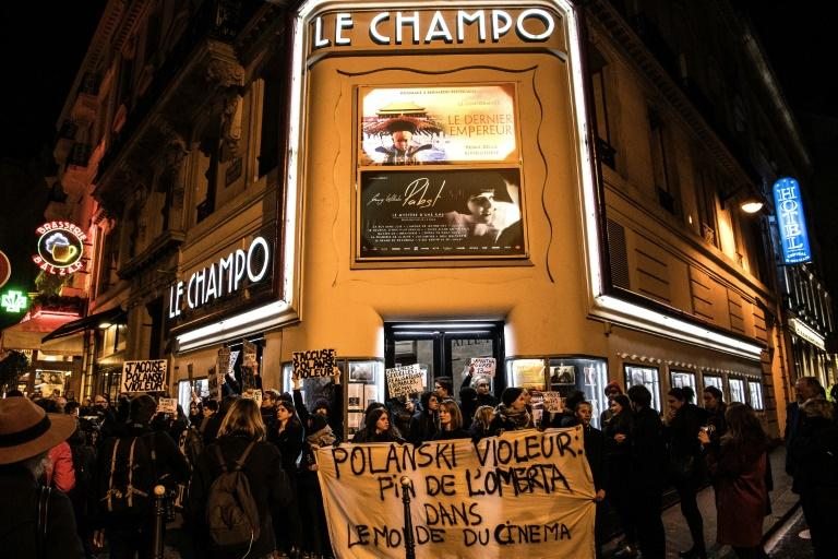 "Protesters on Tuesday blocked the entrance to a cinema in Paris showing Polanski's new film, ""An Officer and a Spy"" (AFP Photo/Christophe ARCHAMBAULT)"