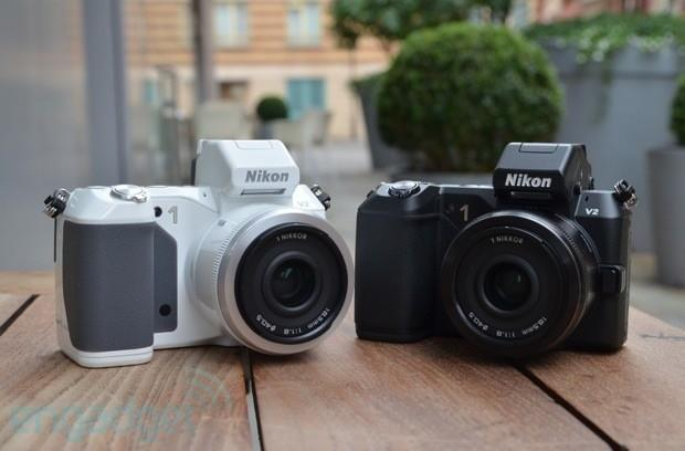 Nikon 1 V2 mirrorless camera hands-on! (video)