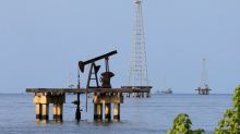 Oil prices fall for second day on weak economic data