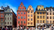 Travel latest:Swedish virus expert says 'no point' in face masks, as Madeira makes them mandatory