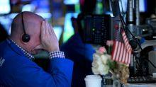 Wall Street suspende pregão por pânico provocado por coronavírus