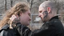 'Skin', la historia real de un ex neonazi que logró borrar la huellas del odio