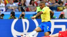 Fernandinho mal e Douglas Costa mudando o jogo: as notas de Brasil 1 x 2 Bélgica
