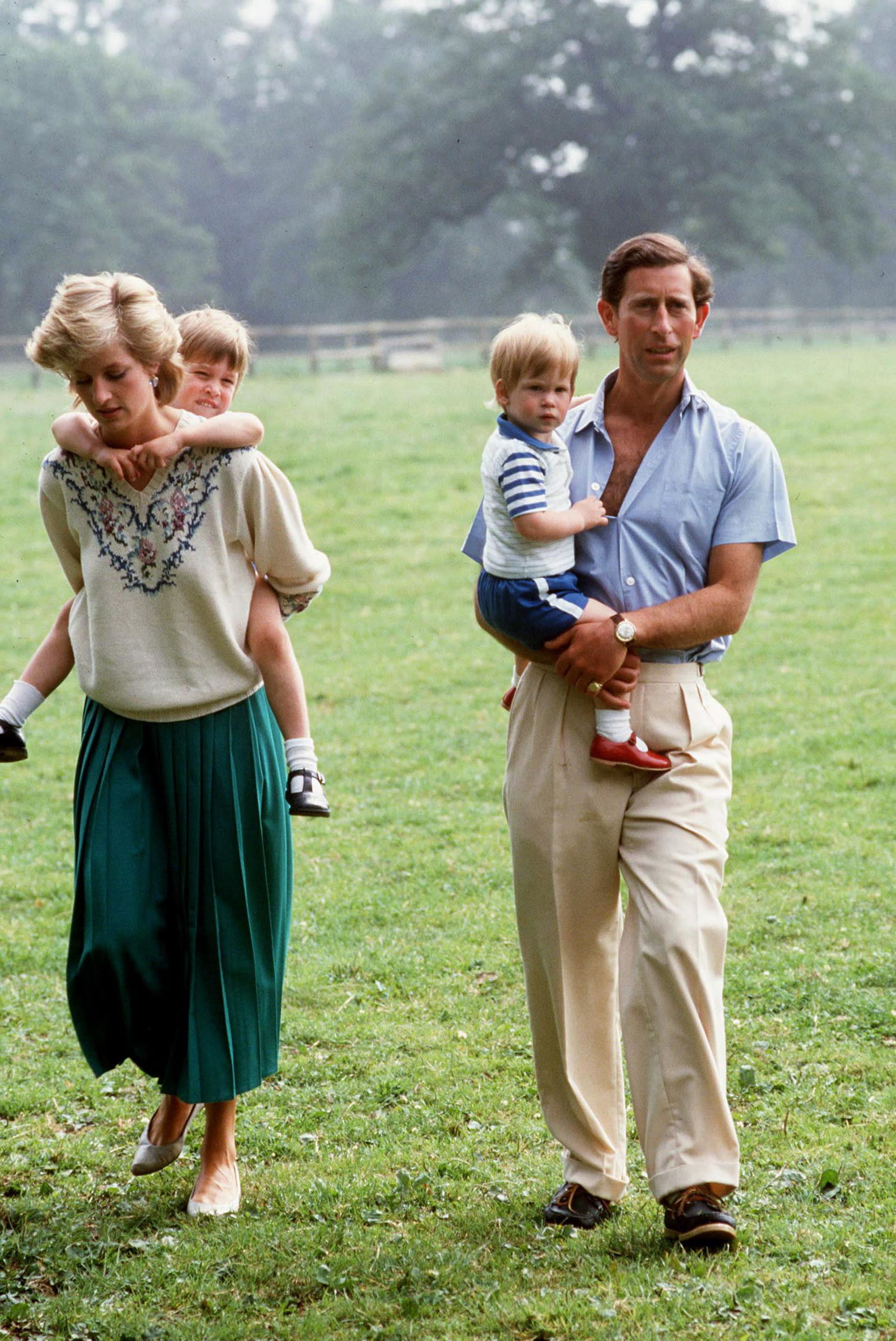 TETBURY, UNITED KINGDOM - JULY 14:  Prince Charles And Princess Diana With Prince William And Prince Harry At Home In The Gardens Of Highgrove House  (Photo by Tim Graham/Getty Images)