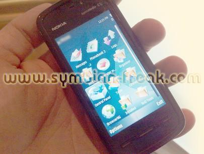 Nokia's touchscreen Tube out in the wilds?
