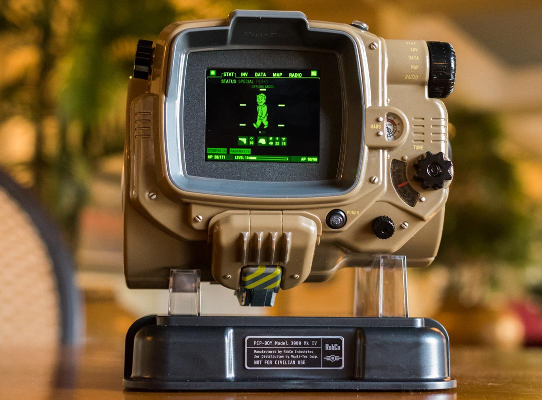 Fallout 4 comes with a real Pip-Boy that works with your phone - The Verge | 800x1083