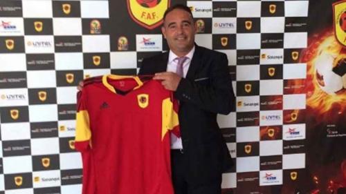 Brasileiro assume o comando da seleção de Angola