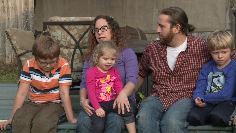 mother rescues sons but loses home in fire video
