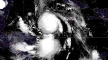 Delta se vuelve huracán y amenaza a México antes de llegar al sur de EEUU