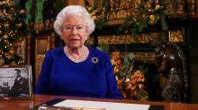 Queen Elizabeth II to praise virus response in rare address