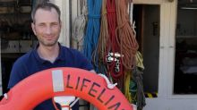 Migranti, Lifeline: aspettiamo soluzione in acque internazionali