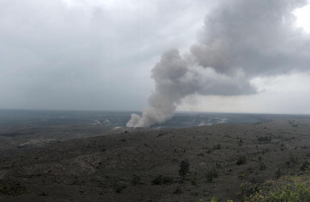 Smoke from the Kilauea volcano rises from the crater on the Big Island (AFP Photo/Gianrigo MARLETTA)