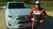 Fernando Alonso prueba el Toyota Hilux 2020