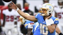 Herbert takes another step for Chargers, albeit in a loss